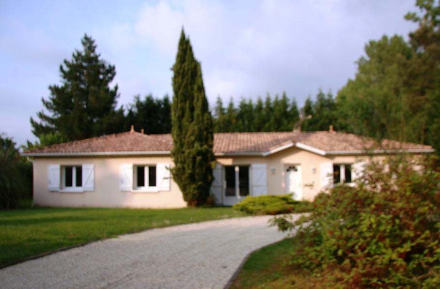 Maison 4 chambres golf de cameyrac for Achat maison yvrac